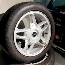 BMWミニ 純正16インチホイール&ランフラットタイヤ4本セット【Used parts】