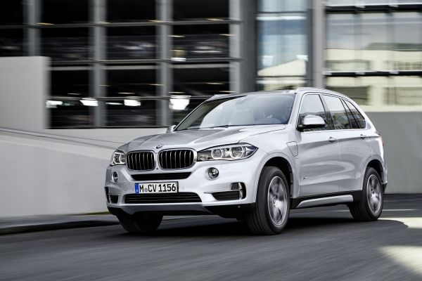 P90175303_lowRes_the-new-bmw-x5-xdriv